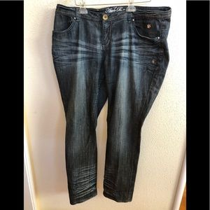 Apple Bottoms jeans